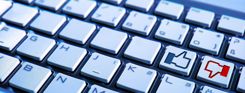 https://pixabay.com/en/keyboard-computer-facebook-blue-597007/